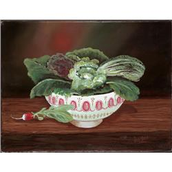 Lettuce and radish in a bowl